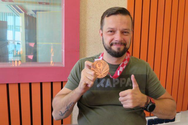 Aleš Kisý ve studiu Českého rozhlasu Hradec Králové | foto: Milan Baják,  Český rozhlas