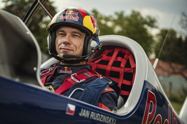 Jan Rudzinskyj,  akrobatický pilot,  člen Flying Bulls Aerobatics Team | foto: Dan Vojtěch