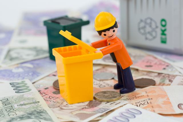 Poplatek za svoz odpadu, peníze, poplatky, odpad