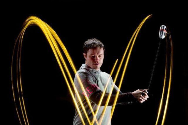 Martin Kofroň vymyslel po úrazu páteře speciální rehabilitační nářadí pro rotační cviky   foto: Lukáš Oujeský