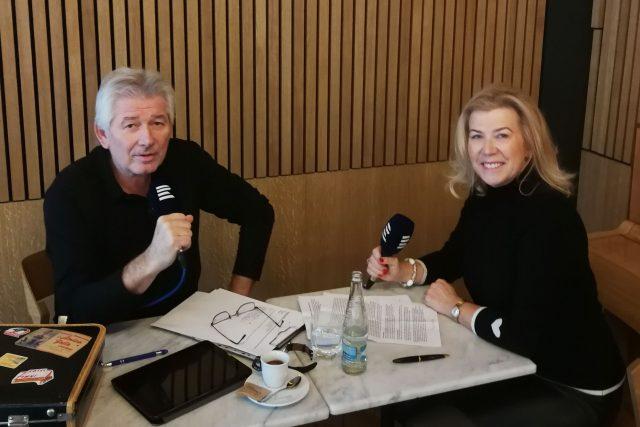 Petr Voldán a Dagmar Heřtová při natáčení rozhlasového rozhovoru