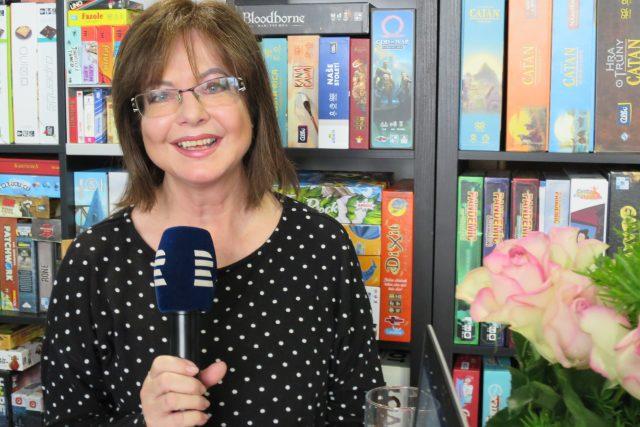 Marie Tomsová v rozhlasové kavárně