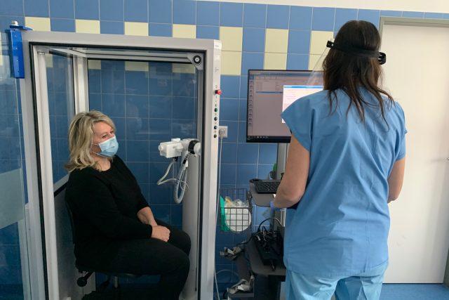 Nové centrum hradecké fakultní nemocnice dává naději těm, kteří trpí po covidu zdravotními potížemi
