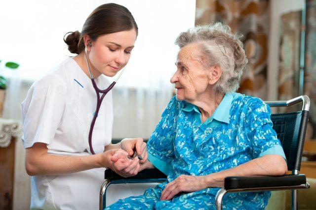 Mezi mladými roste zájem o studium na středních zdravotnických školách  (ilustrační foto)   foto: Profimedia