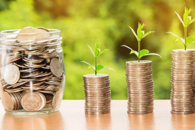Záludnosti správného spoření peněz je dobré znát (Ilustrační foto)