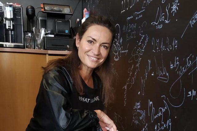 Hanka Kynychová v rozhlasové kavárně   foto: Radka Šubrtová,  Český rozhlas,  Český rozhlas