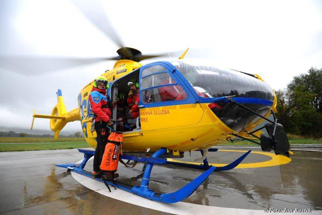 Pavel Horký s leteckou záchrannou službou Liberec