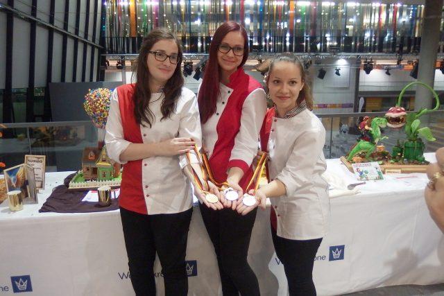 Tři zlaté medaile přivezly novopacké cukrářky ze světové olympiády v německém Stuttgartu