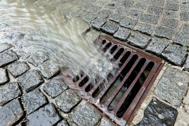 Dešťová voda  (ilustračni foto) | foto: Fotobanka Profimedia