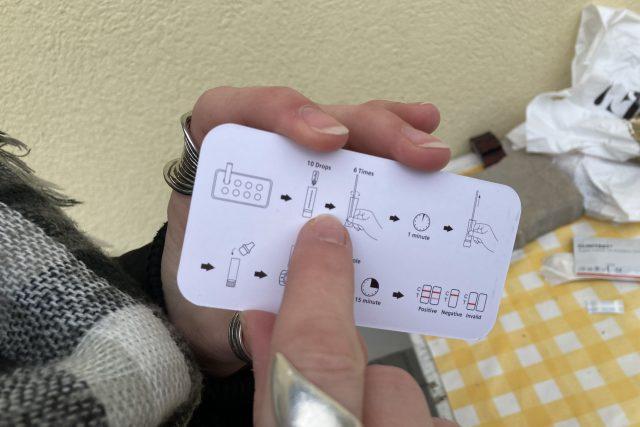 Návod u antigenních testů by měl být co nejjednodušší | foto: Ľubomír Smatana,  Český rozhlas,  Český rozhlas