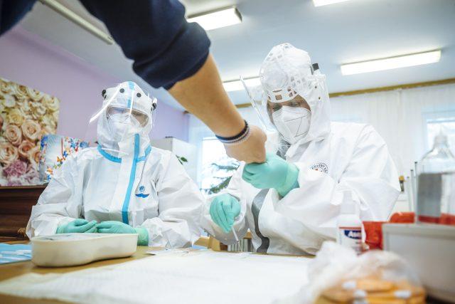 Jak funguje antigenní testování?  (ilustrační foto) | foto: Petr Topič,  MAFRA/Profimedia