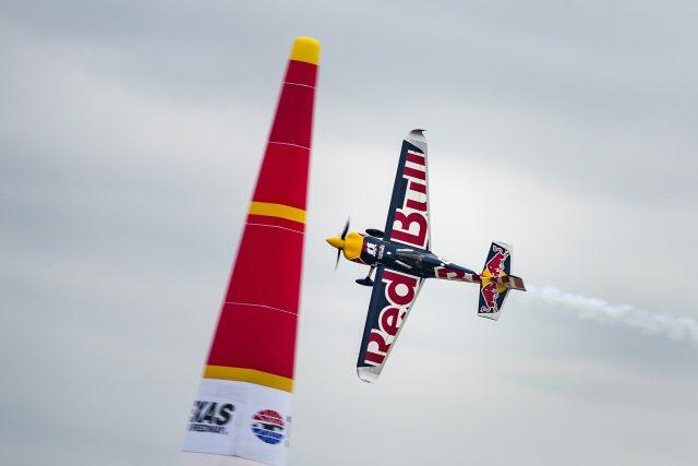 Martin Šonka v rozhodujícím závodě  (vítězná sezóna 2018) | foto: Samo Vidic,  Red Bull Content Pool